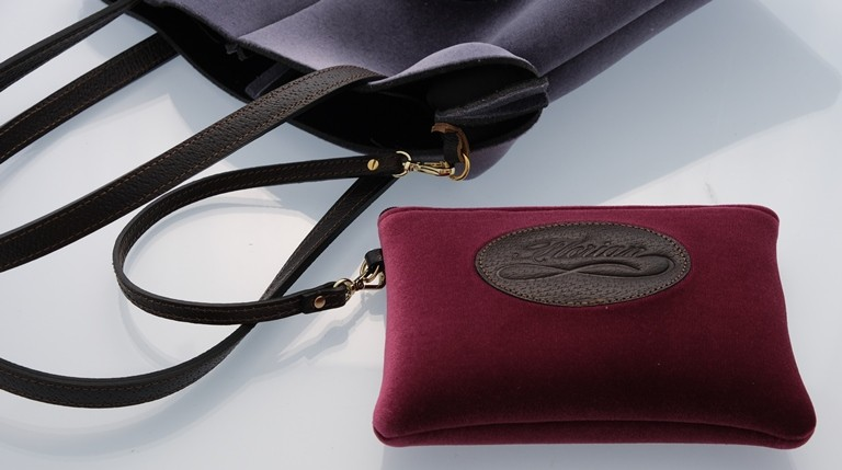 Florian neoprene pouch with bag