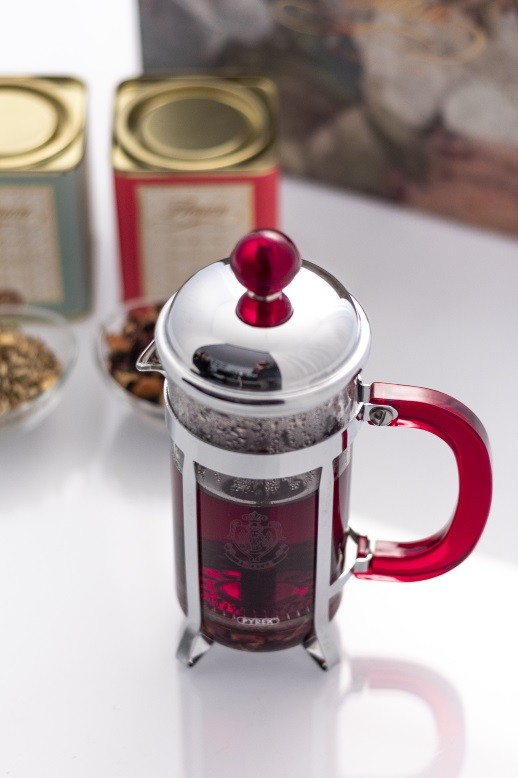 Tea and herbs tea maker
