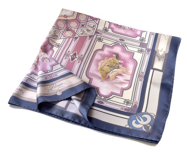 fashion touch with plum foulard